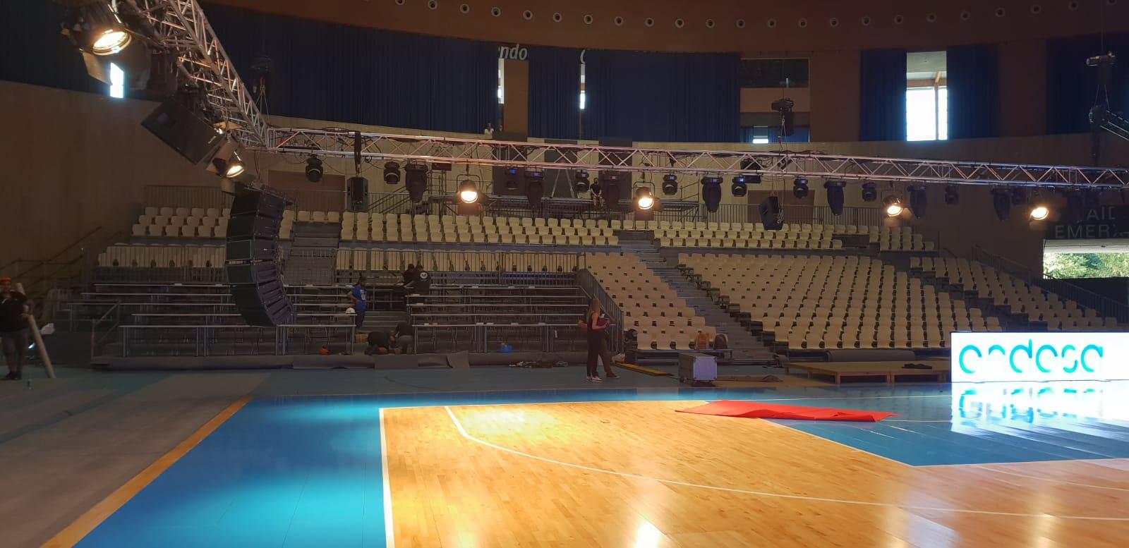 Montaje de grada y escenario Supercopa de Baloncesto ACB